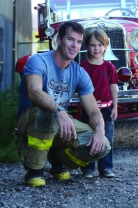 040913_GalloenFuego_firefighter
